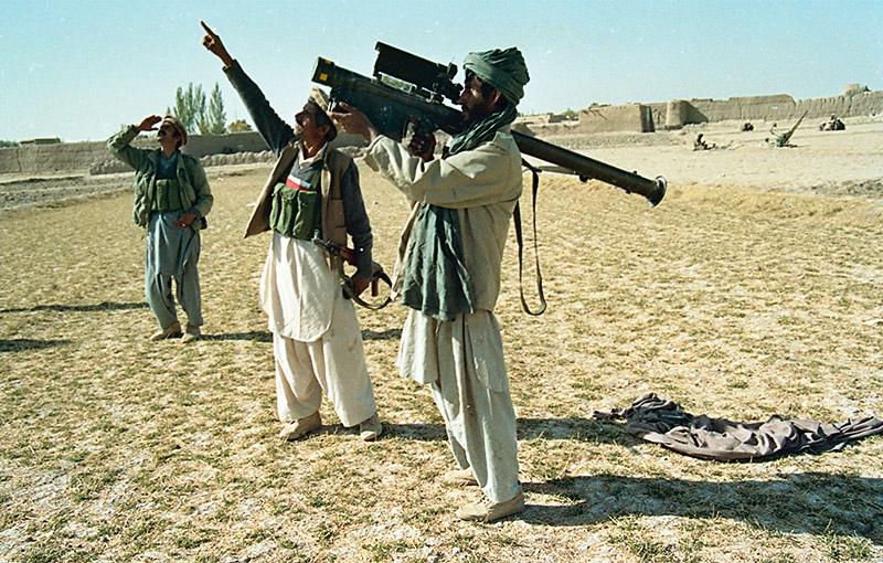 Афганские моджахеды с американским «Стингером».
