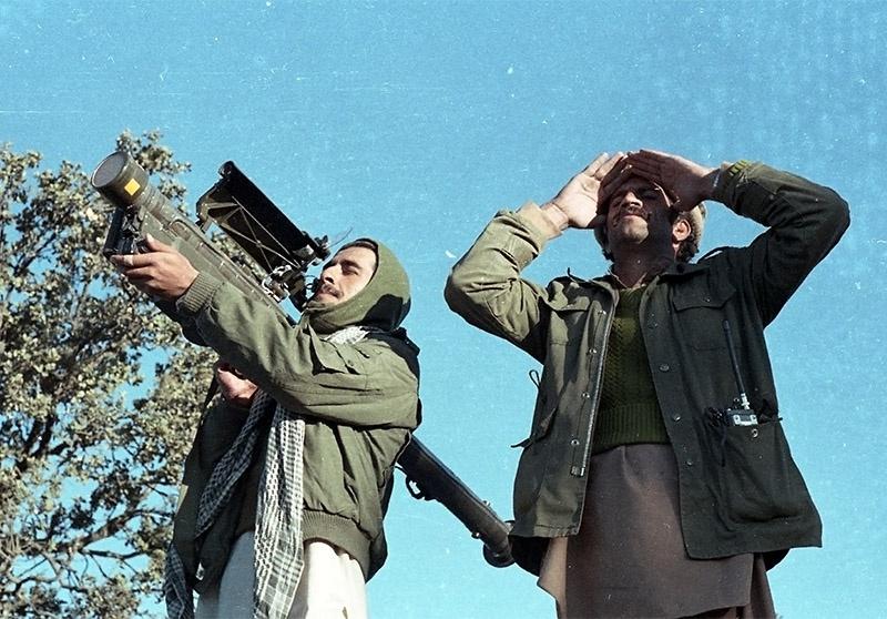Военное командование США отдало приказ изъять всеми правдами и неправдами «Стингеры» у афганских полевых командиров.