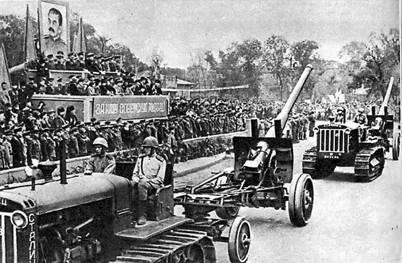 Военный парад прошёл с успехом, но он так и остался «неизвестным» парадом.