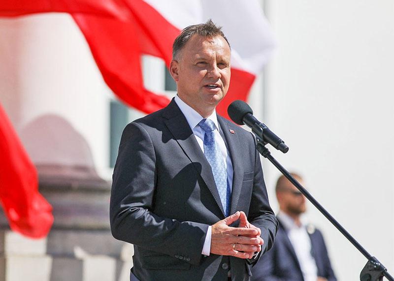 Президент Польши Анджей Дуда на пресс-конференции 30 июля заявил, что готов взять под своё крыло польских сепаратистов в Беларуси.