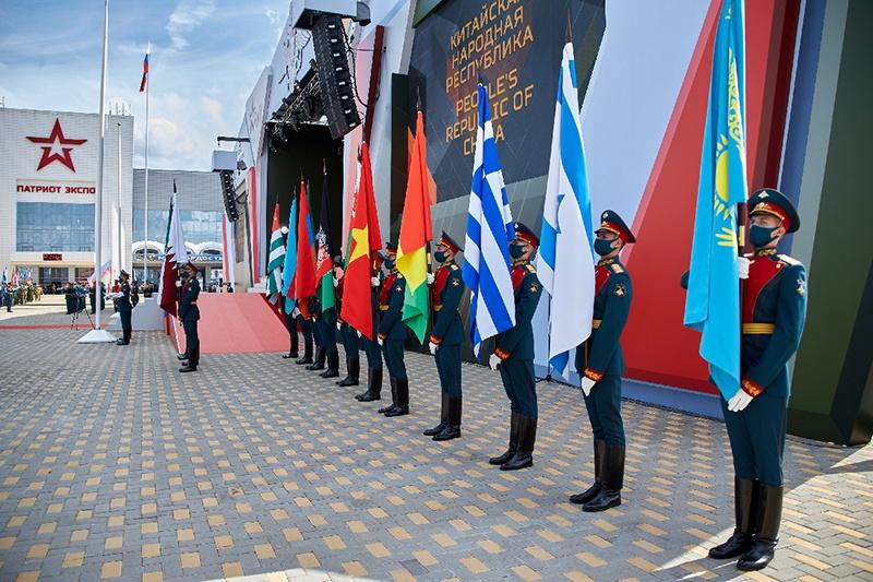 Впервые принимали участие в Армейских международных играх солдаты из Афганистана, Гвинейской Республики, Катара, Намибии, Республики Экваториальная Гвинея и Палестины.