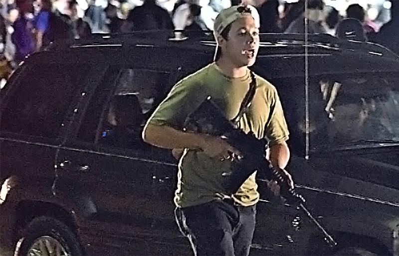 Семнадцатилетний Кайл Риттенхауз, вооружённый полуавтоматической винтовкой AR-15, защищаясь от BLM-террористов, застрелил двух и ещё одного ранил.