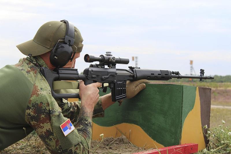 На белорусском полигоне Брестский в ходе проведения конкурса «Снайперский рубеж» российская пара снайперов установила рекорд в поражении цели залпом.
