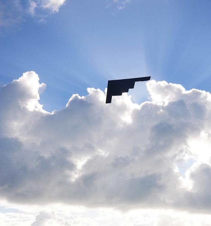 Без согласия союзников Вашингтона проведение таких полётов авиации СЯС США над Европой представляется невозможным.