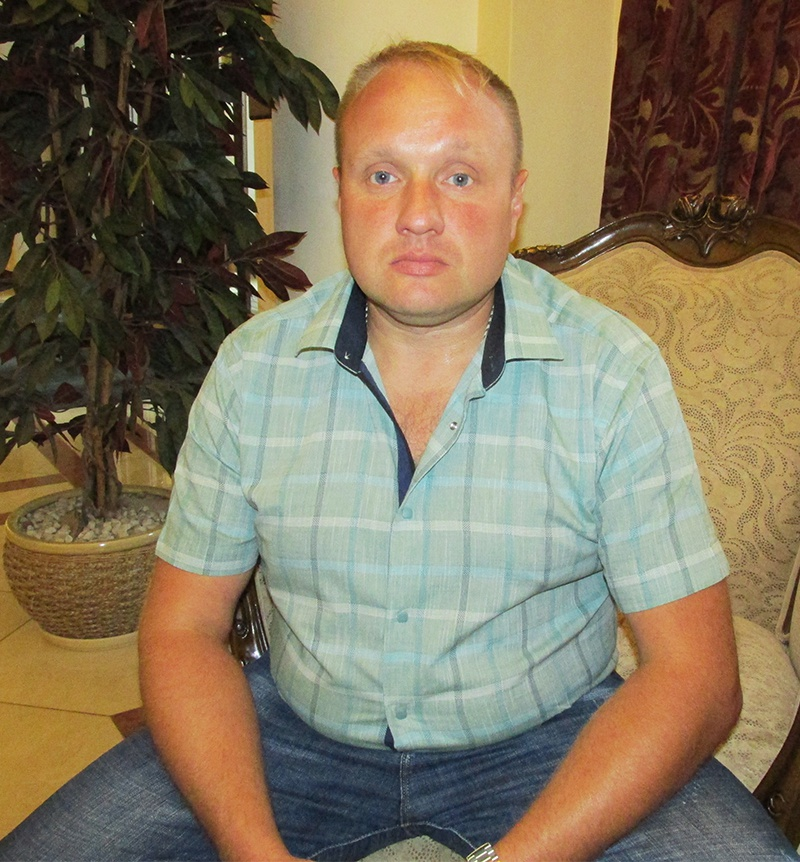 Герой России Евгений Александрович Капустин до сих пор не имеет собственного жилья.