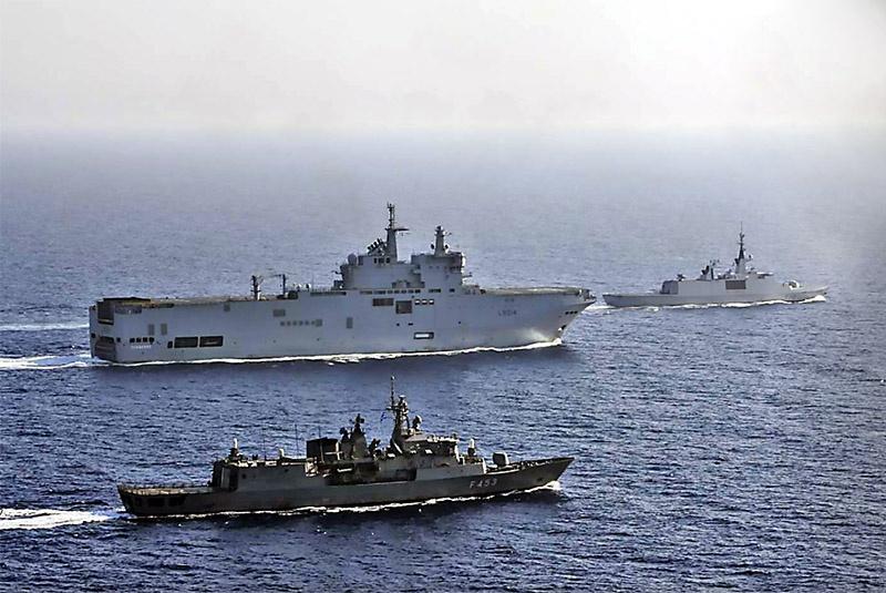 Французский фрегат Lafayette и вертолётоносец Tonnerre совместно с кораблями греческого флота патрулируют в Восточном Средиземноморье.