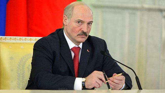 Запад не согласится с сохранением «многовекторного» лидера во главе государства, а без российской поддержки, он не сможет противостоять нарастающим майданным тенденциям в своём обществе.