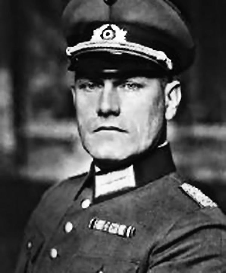 Германский посол в Токио генерал Ойген Отт сообщил Зорге о неизбежности войны между Германией и СССР.