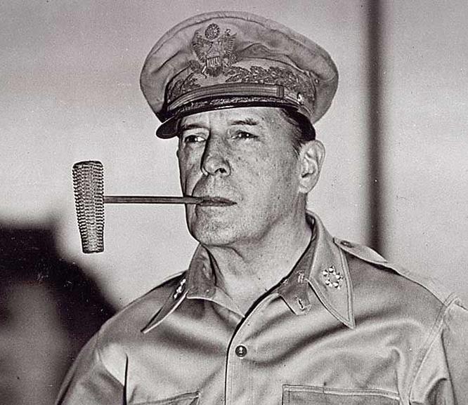 Главнокомандующий сил союзников на Дальнем Востоке генерал Дуглас Макартур отмечал, что Рихард Зорге обладал всеми качествами великого человека.