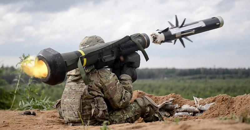 США одобрили поставку Польше 60 пусковых установок и 180 противотанковых управляемых ракет комплексов FGM-148 Javelin
