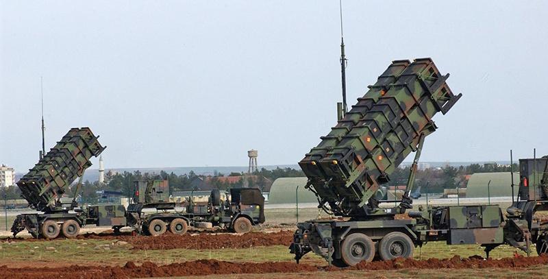 В конце августа этого года Румыния получила первую партию из семи модернизированных ЗРК Patriot, заказанных у Соединённых Штатов.