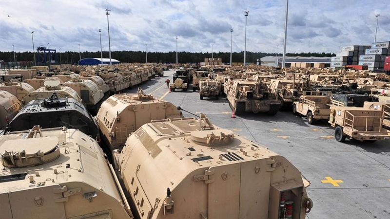 Общая доля США в мировом экспорте тяжёлых вооружений составила 36%.