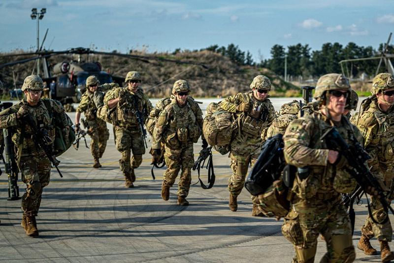 Солдаты американской 173-й воздушно-десантной бригады на Кипре.