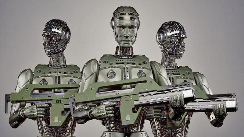 Люди в бою могут совершать ошибки и это будут индивидуальные ошибки, а у боевых систем ИИ такие ошибки могут привести к «крупномасштабным или разрушительным последствиям».