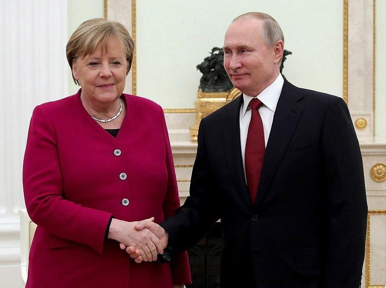 У Ангелы Меркель особые, доверительные отношения с Россией и её президентом Владимиром Путиным.