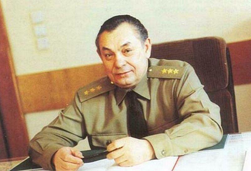 Главнокомандующий Западной группой войск генерал-полковник М. Бурлаков.