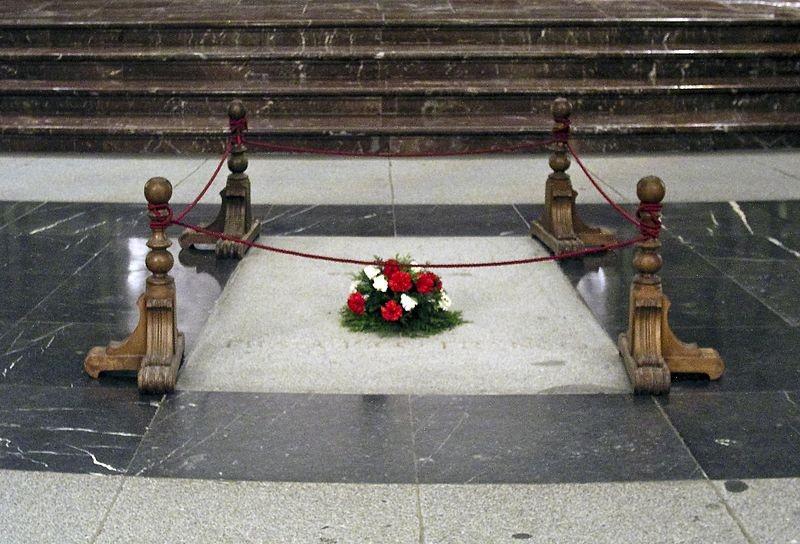 Могила Франсиско Франко в «Долине павших».