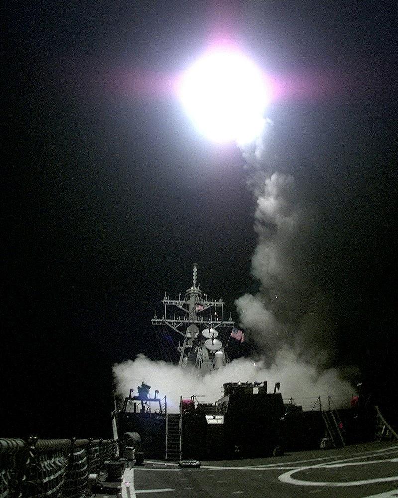 Запуск КР «Томагавк» с корабля в Адриатике. 31 марта 1999 года.