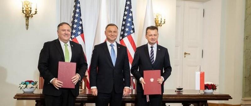15 августа с.г. в Варшаву прибыл глава американского Госдепа Майк Помпео, который по поручению своего президента подписал договор, позволяющий увеличить американский военный контингент в Польше.