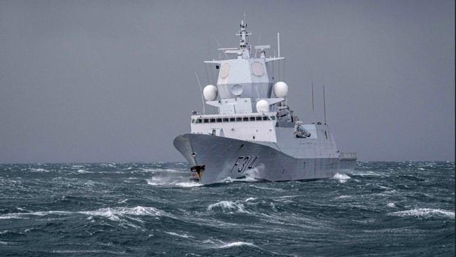 Фрегат ВМС Норвегии «Тур Хейердал» в сентябре этого года прибыл в Баренцево море в экономическую зону России с намерением принять участие в американо-британских учениях.