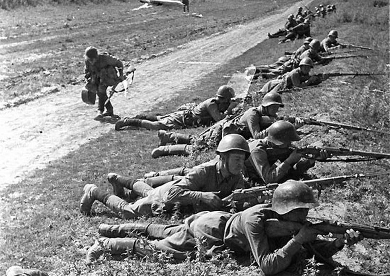 «Война - не кино, где солдаты идут в атаку строем и улыбаются».