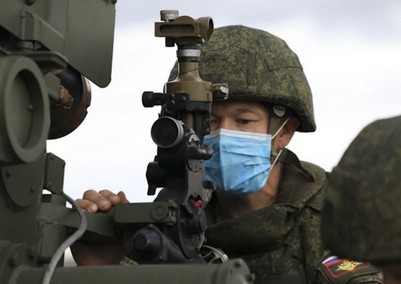 На учении в Челябинской области подразделения Центрального военного округа отработали уничтожение высокотехнологичного противника, чьи войска оснащены современными образцами средств разведки, связи и огневого поражения.