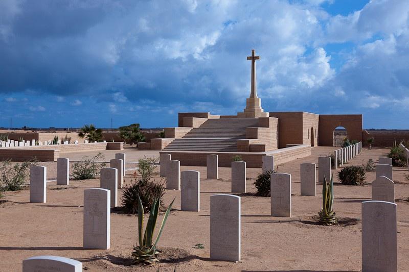 Британское кладбище в Тобруке.
