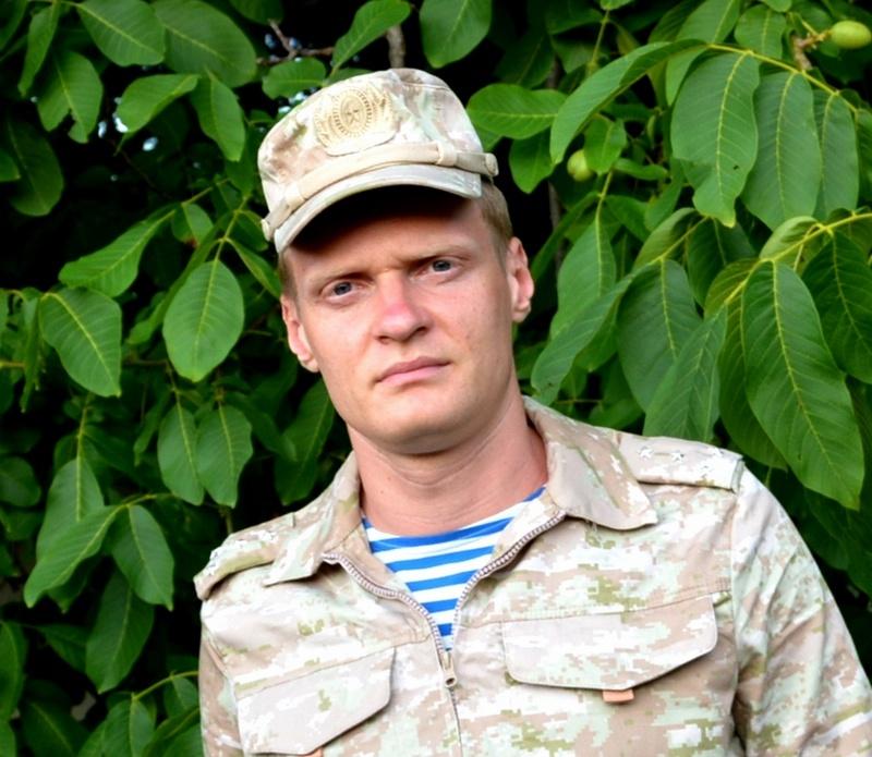 Старшим одной из групп первого броска был врач-терапевт гвардии капитан медицинской службы Данила Сычёв.