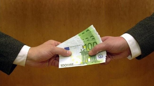 Откаты и взятки в Евросоюзе и США: как глубока лапа берущего