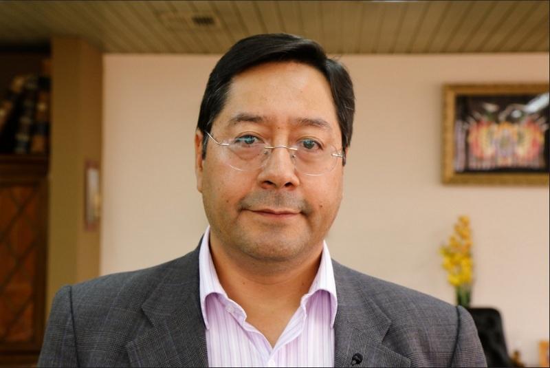 На президентских выборах в Боливии победил Луис Арсе - представитель партии свергнутого год назад президента Эво Моралеса «Движение к социализму».
