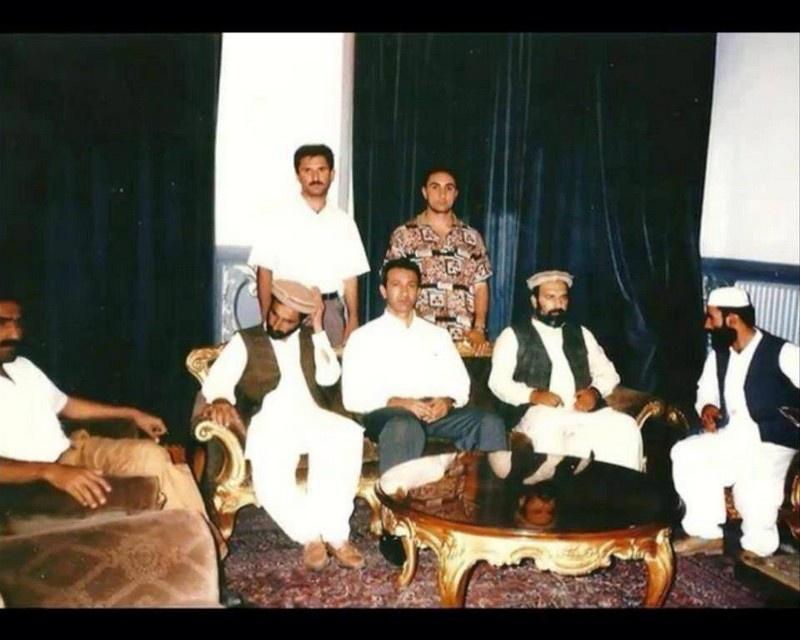 В августе 1993 г. занимавший тогда пост заместителя министра внутренних дел Азербайджана Ровшан Джавадов провёл встречу с лидером «Исламской партии Афганистана»* Гульбеддином Хекматияром.