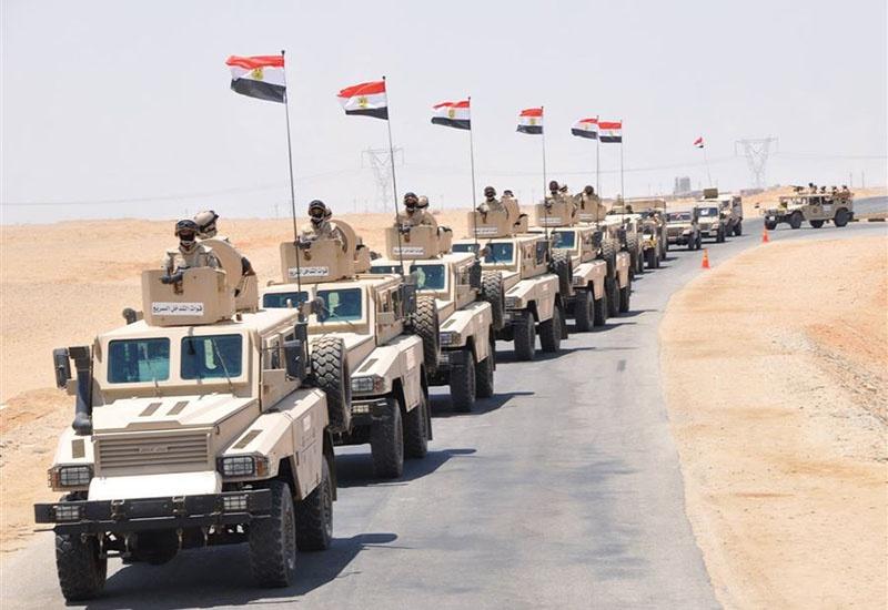 Египтяне поспешили на помощь Халифе Хафтару и сосредоточили крупную военную группировку на ливийской границе.