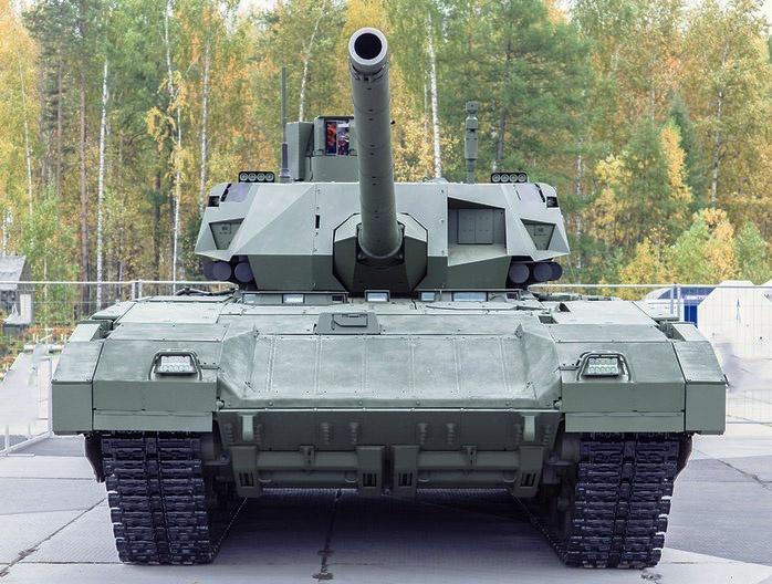 Российская гладкоствольная пушка 2А82-1М устанавливается на танках Т-14 «Армата».