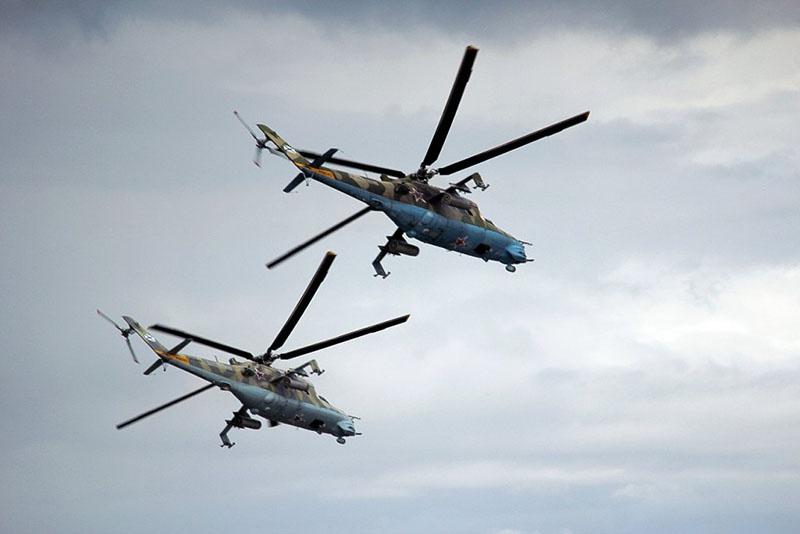 Вертолёты морской авиации флота Ми-24 осуществляли воздушную разведку по поиску диверсионно-разведывательных групп «противника».