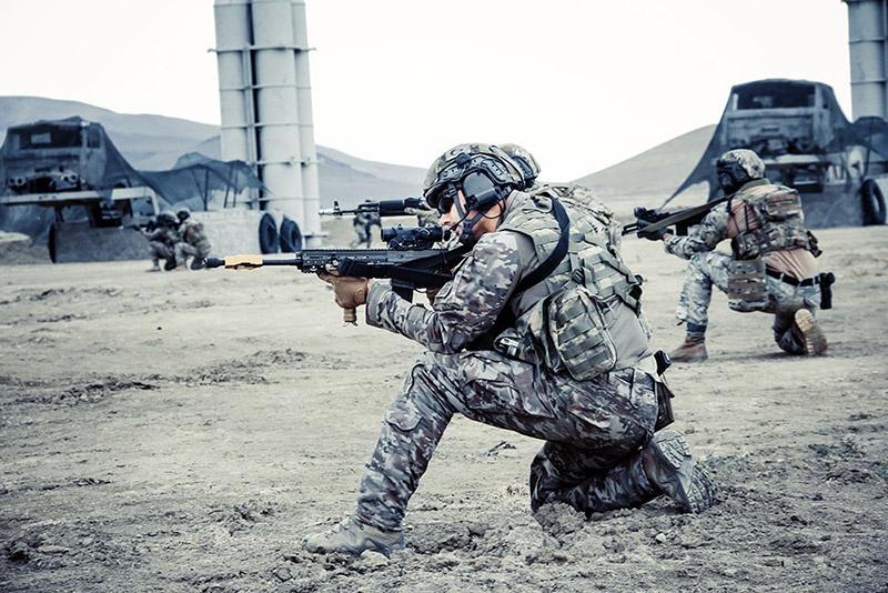 «Голубые береты» первыми в Азербайджане перешли на вооружение по стандартам НАТО.