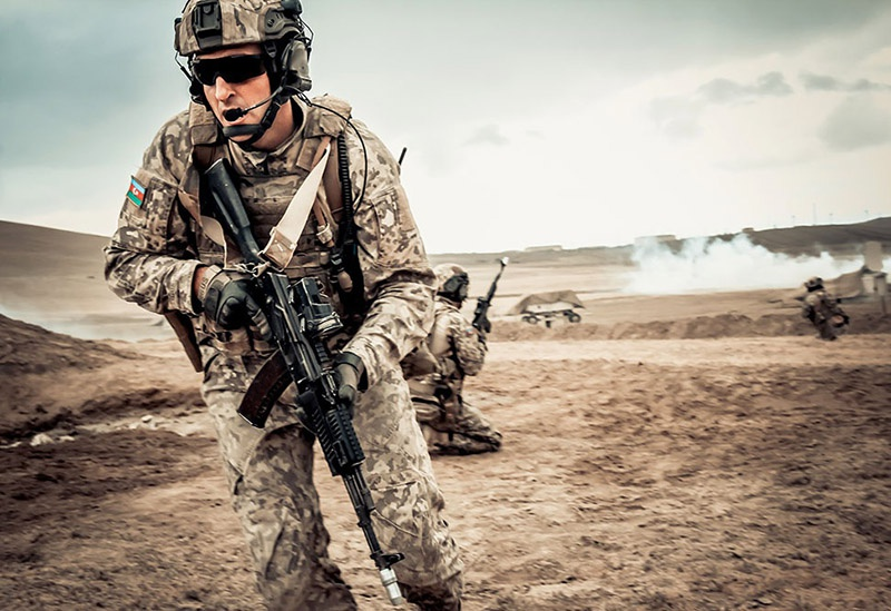 Обучением азербайджанских спецназовцев занимаются инструкторы из «Морских котиков» ВМС США, а также Турции.