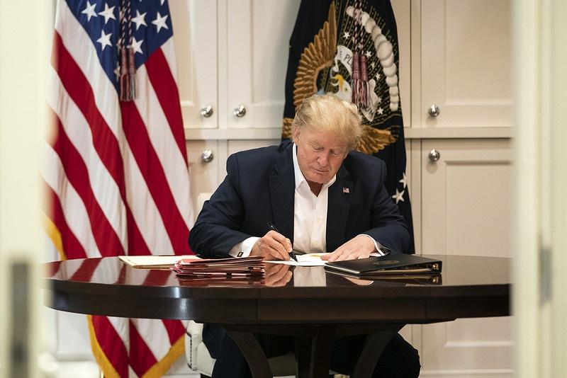 Трамп переписал львиную часть экономических соглашений в свою пользу.