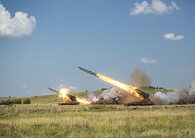 Яркую финальную точку в манёврах Центрального военного округа поставили огнемётчики.