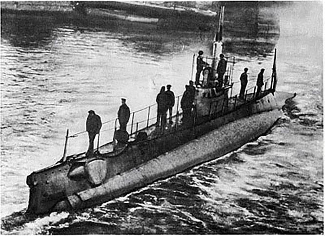 Подводная лодка красных военморов АГ-23 вышла к Севастополю лишь тогда, когда белых и след простыл.