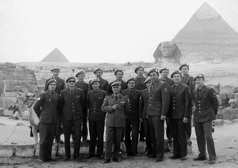 25 ноября - в этот день в 1973 году группа советских офицеров прибыла в Египет для участия в миссии ООН по урегулированию арабо-израильского конфликта.