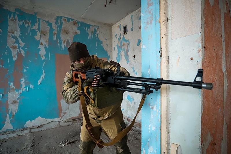 Подразделения разведки ЗВО отработали тактику ведения боя в городских условиях.