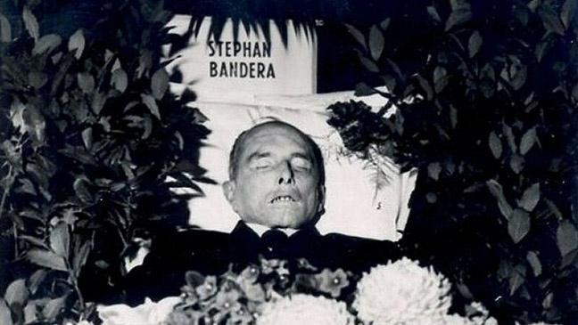 Похороны убитого Сташинским Степана Бандеры.