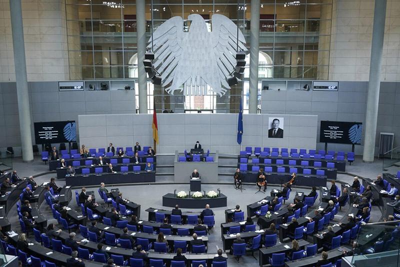 4 ноября парламент Германии принял резолюцию с призывом к правительству поддержать гражданское общество в Белоруссии.