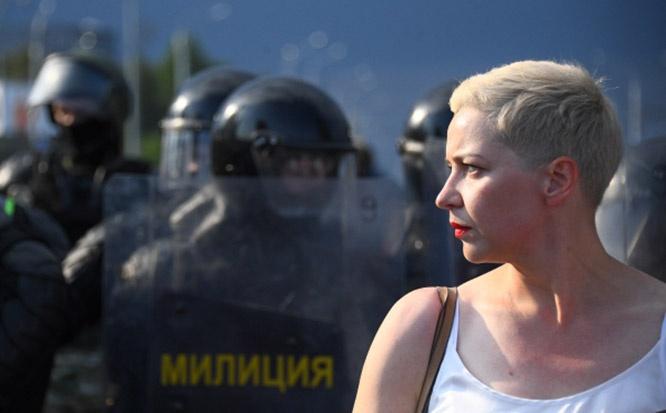 Член президиума оппозиционного координационного совета Мария Колесникова во время акции протеста оппозиции в Минске.
