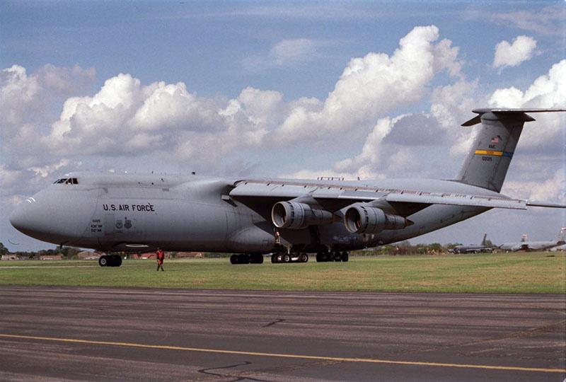 Транспортный самолет C-5M Super Galaxy ВВС США.