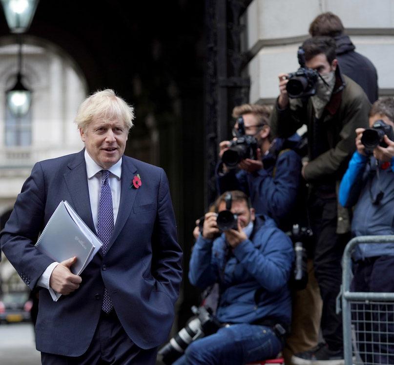 Лучше других об «отравлении» блогера Навального осведомлён британский премьер-министр Борис Джонсон, спецслужбы которого и провели эту примитивную провокацию.