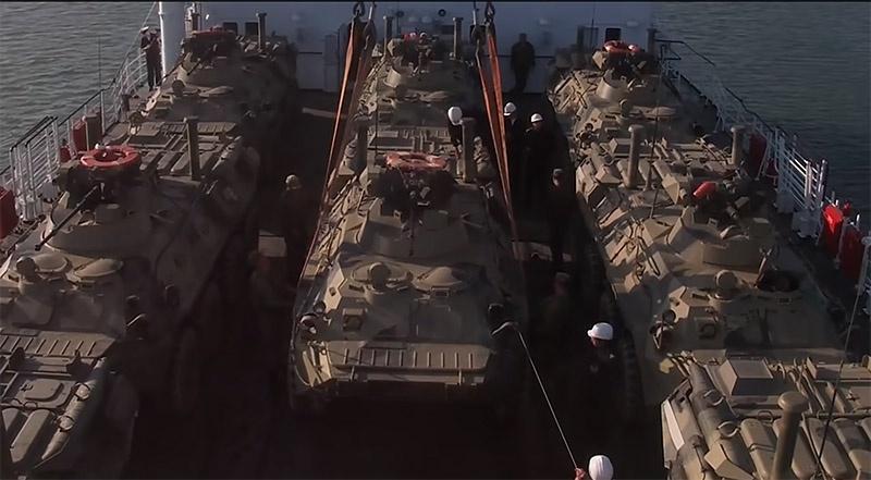 Гражданское судно может быть задействовано для военных нужд.
