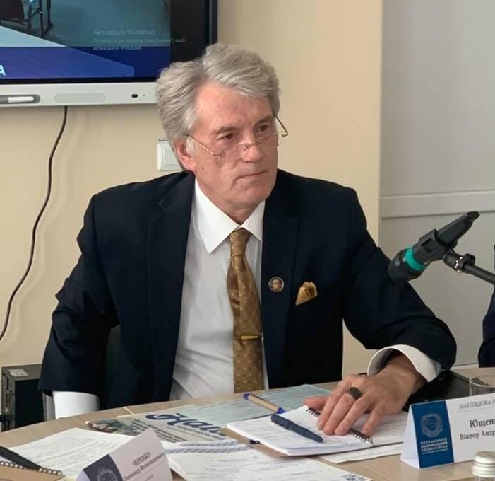 Бывший президент Украины Виктор Ющенко назвал своих соотечественников «рабами, у которых нет плана победы».