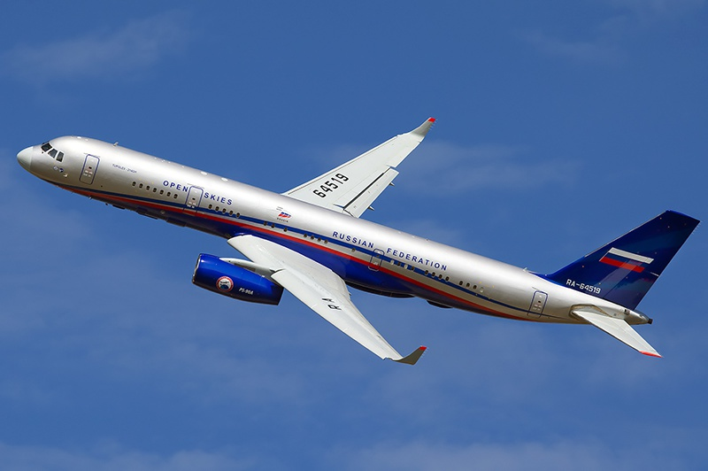 Российский Ту-214ОН, летающий в рамках Договора об открытом небе.