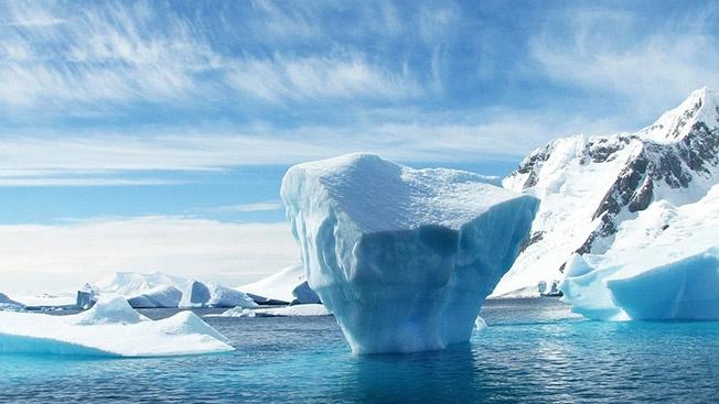 Антарктида тает из-за радиоактивного очага